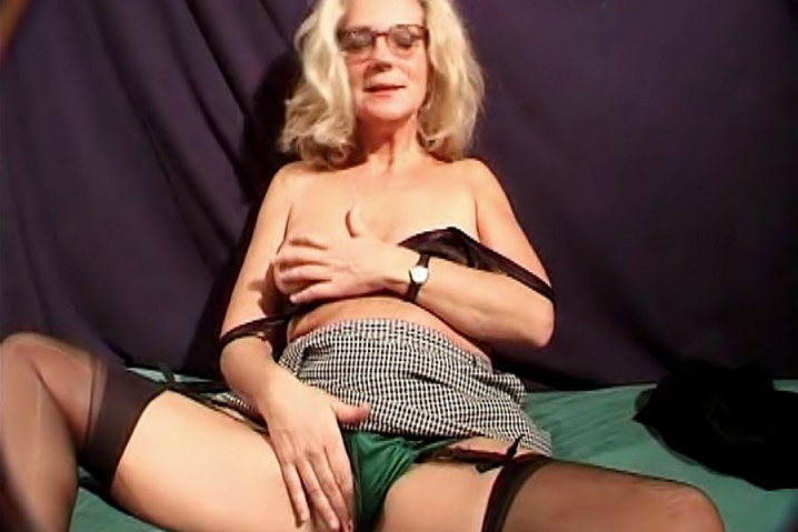 Annonce blonde mature